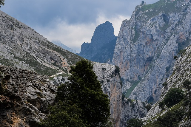 """rutas de senderismo por Asturias que no debes perderte"""